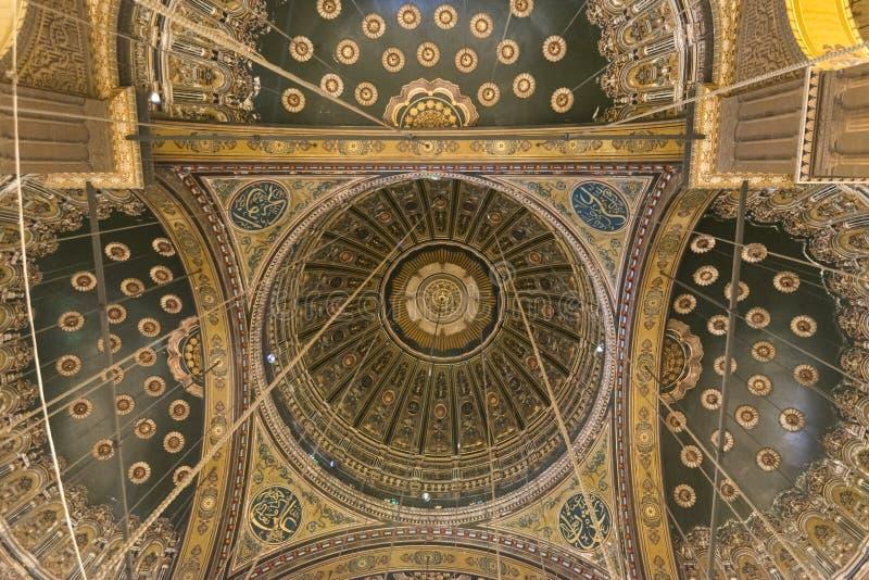 Inom av moskén av Muhammad Ali Saladin Citadel av Kairo royaltyfria foton