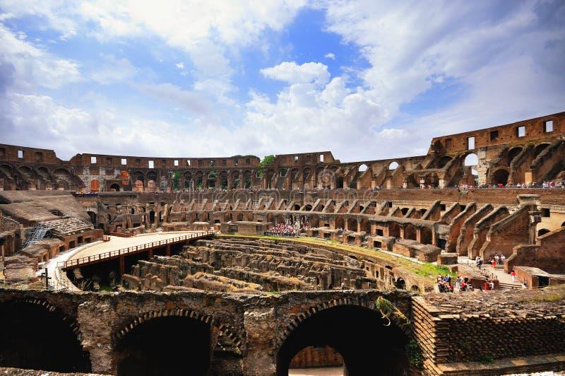 Inom Colloseumen Rome royaltyfri fotografi