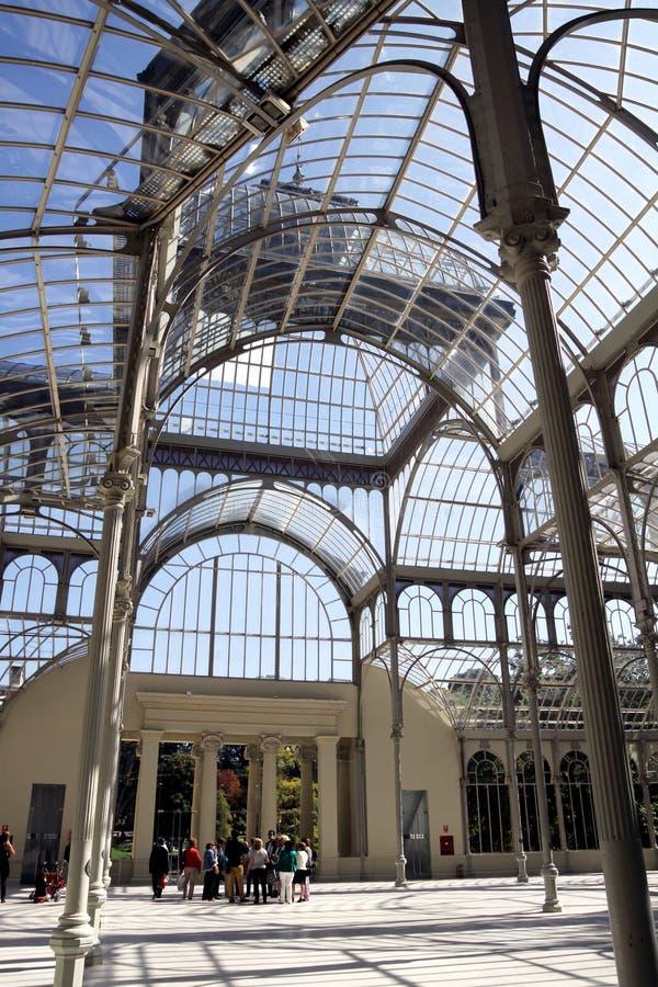 Inom Crystal Pavilion i Retiroen parkera, Madrid arkivbild