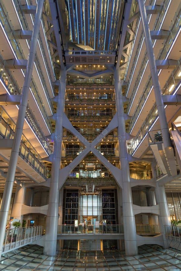 Inom den HSBC huvudbyggnaden i Hong Kong royaltyfri foto