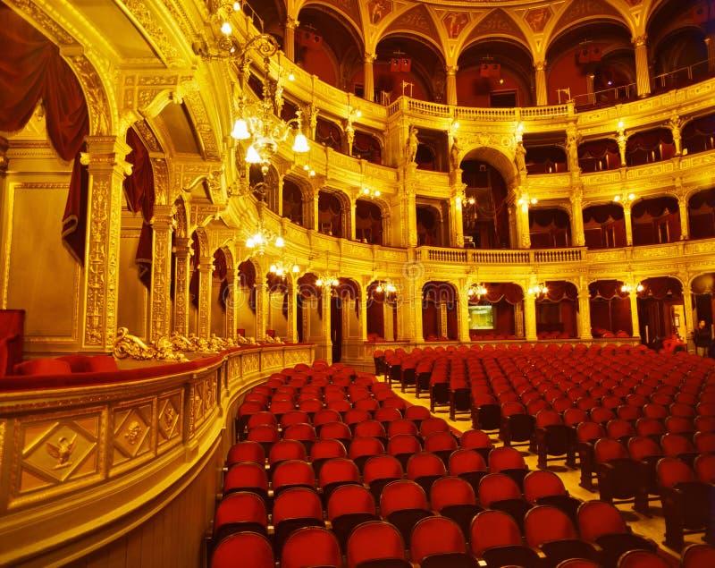 Inom den ungerska statliga operahuset royaltyfria bilder