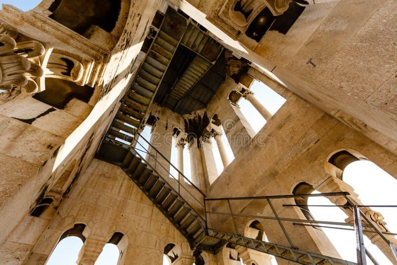 Inom det Klocka tornet av den Sanktt Duje domkyrkan arkivbilder