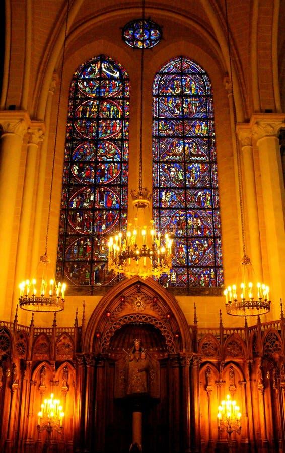 Inom en fransk kyrka royaltyfria foton