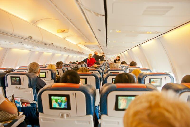 Inom ett flygplan arkivfoton