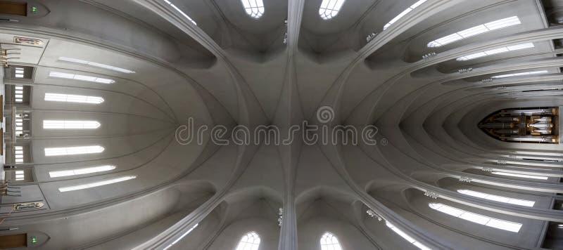 Inom kyrka arkivfoton