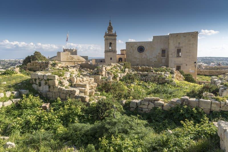 Inom murarna med tinnar av citadellen av Victoria Gozo Malta fotografering för bildbyråer