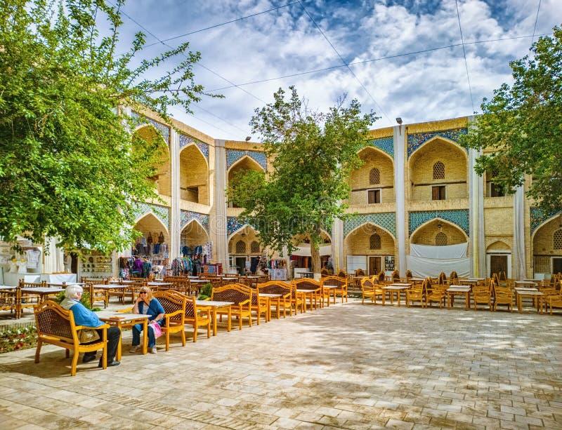 Inom Nadir Divan-Begi Madrasah i Bukhara Uzbekistan royaltyfri foto