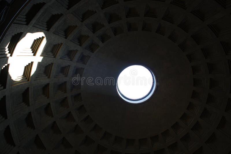 Inom panteon - en av den mest berömda byggnaden i Rome, Italien fotografering för bildbyråer