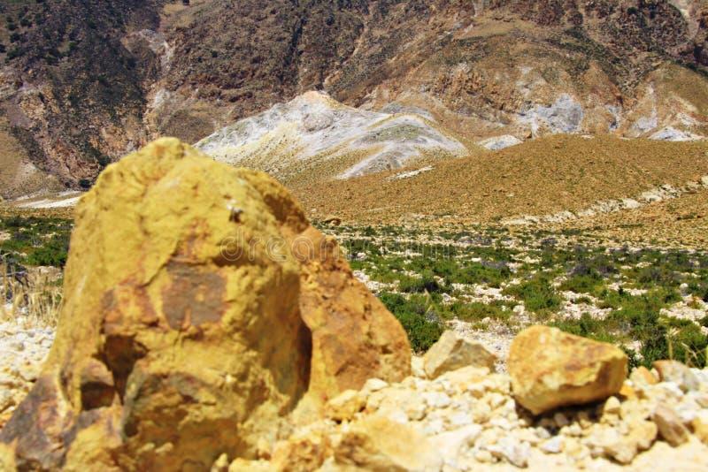 Inom vulkan av Nisyros royaltyfria foton