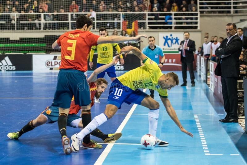 Inomhus footsal match av landslag av Spanien och Brasilien på den Multiusos paviljongen av Caceres royaltyfria foton