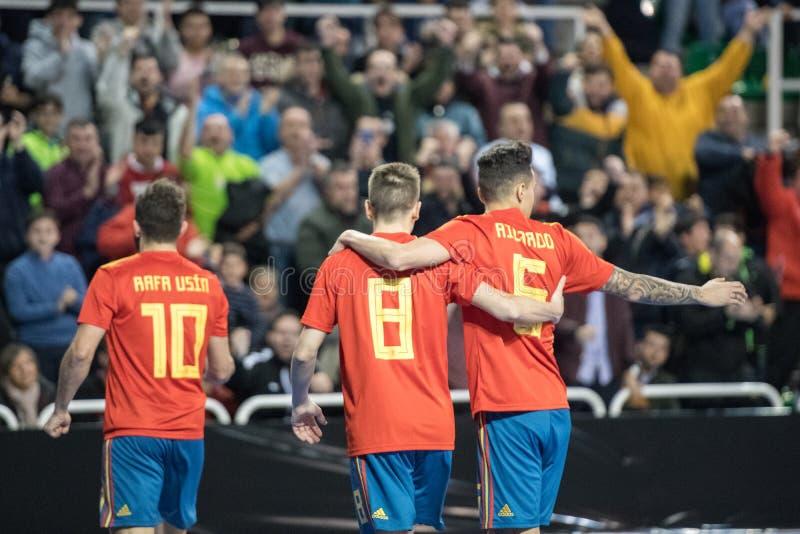 Inomhus footsal match av landslag av Spanien och Brasilien på den Multiusos paviljongen av Caceres royaltyfri bild