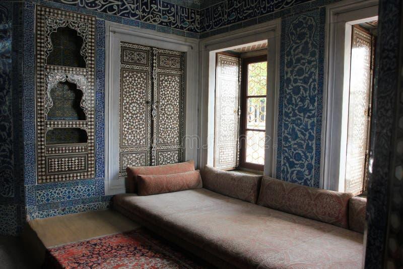 Inomhus i den Topkapi slotten, Istanbul, Turkiet royaltyfria bilder
