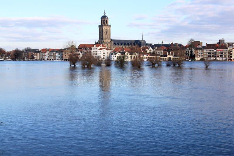 Inondazione del fiume di IJssel in Deventer, Olanda fotografia stock