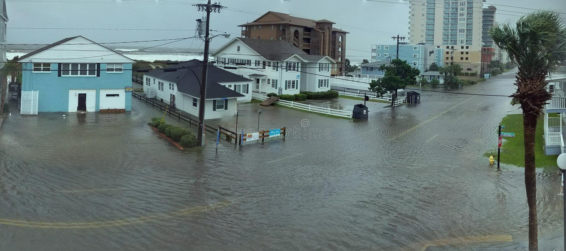 Inondazione dell'azionamento dell'oceano dall'uragano Matthew fotografia stock libera da diritti