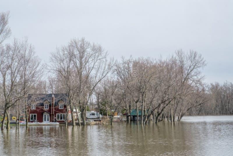 Inondazione di primavera in Laval immagine stock