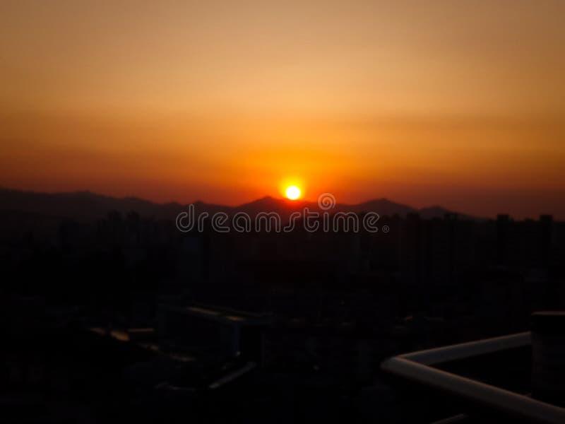 Inpressive solnedgång och spektakulär sikt arkivbild