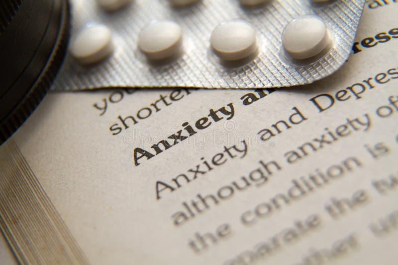 Inquiétude et définition et médecine de dépression dépeignant l'idée images libres de droits