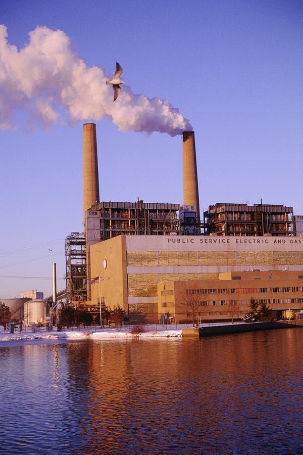 Inquinamento dai fumaioli fotografie stock libere da diritti