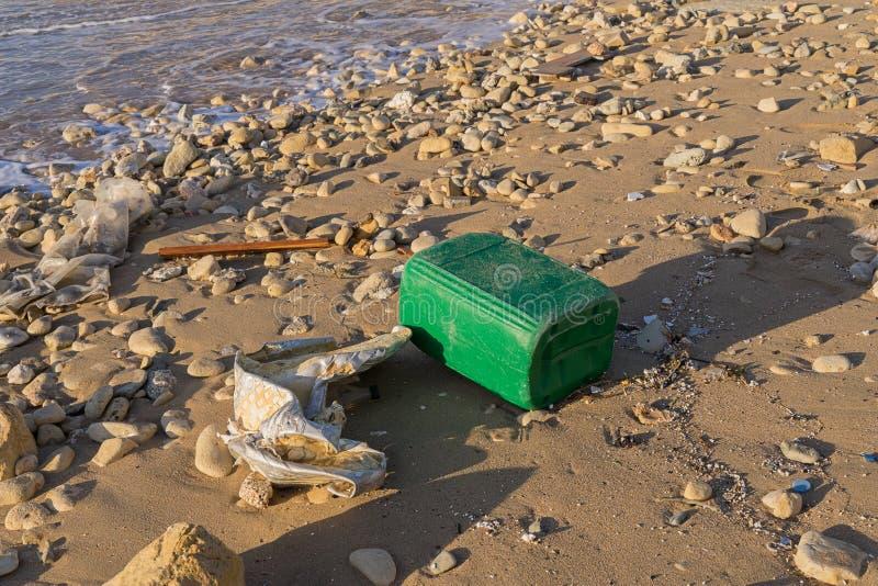 Inquinamento dell'oceano del mondo da plastica fotografia stock libera da diritti