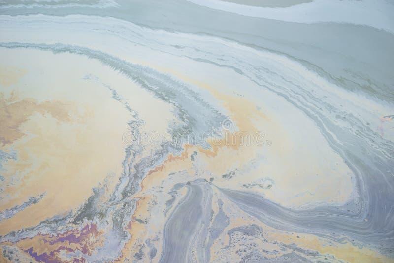 Inquinamento delle acque dell'olio fotografie stock