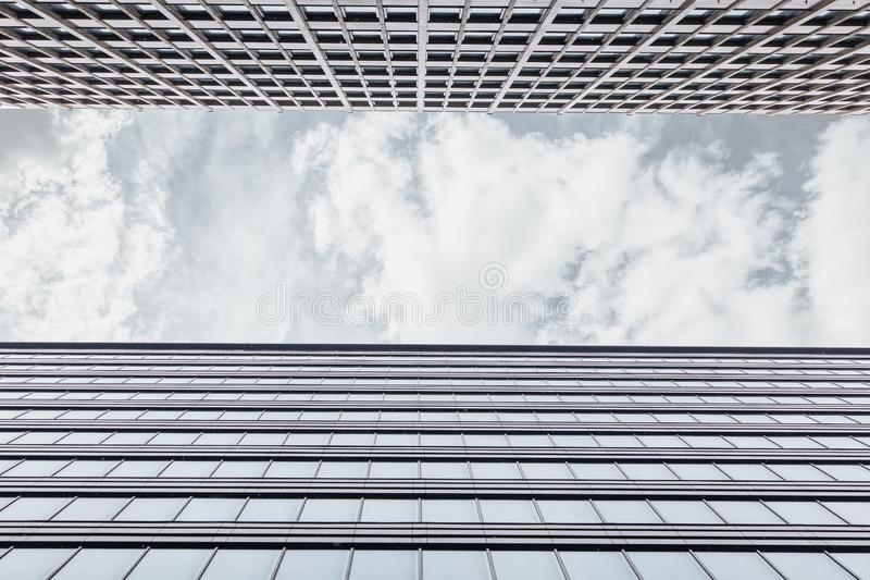 Inrama med fasaden av kontorsbyggnaden fotografering för bildbyråer