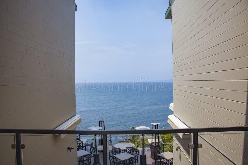 Inramad sikt av havet i La Jolla, Kalifornien royaltyfria bilder
