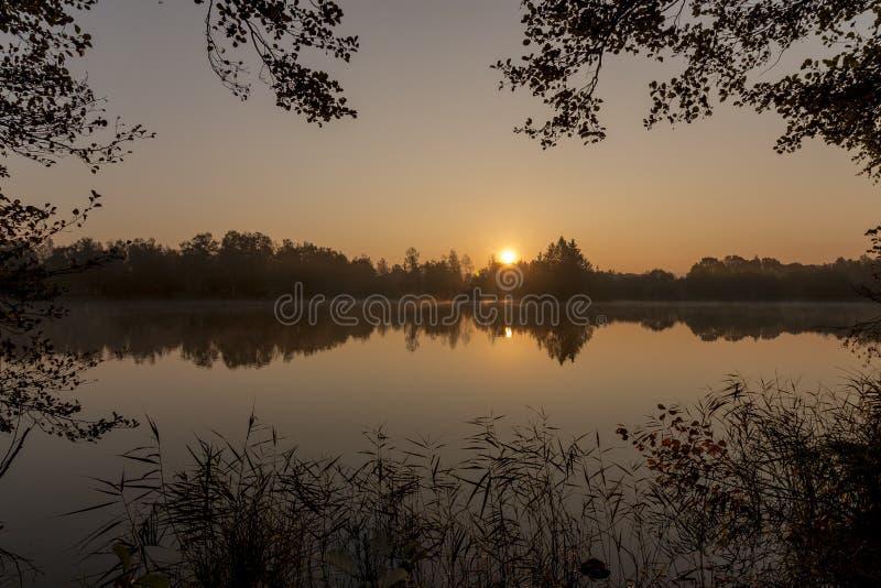 Inramad soluppgång i Frankrike royaltyfri bild
