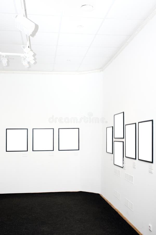 inramniner museumväggar arkivfoto