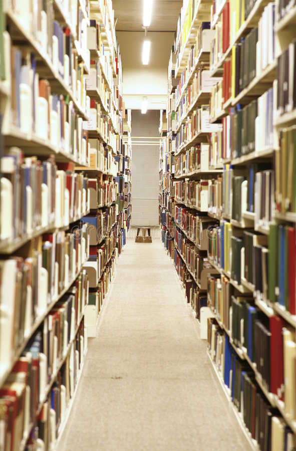 Download Inre arkiv arkivfoto. Bild av sökande, hyllor, arkiv, text - 997832