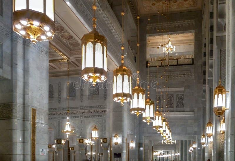 Inre av al-Harammoskén i Mecka royaltyfri foto