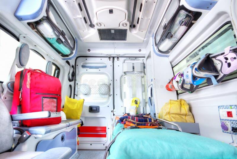 Inre av ambulansen arkivbild