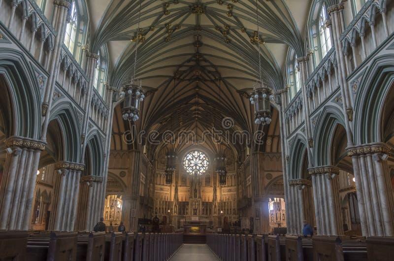 Inre av basilikan för St Dunstans i Charlottetown PEI royaltyfri bild