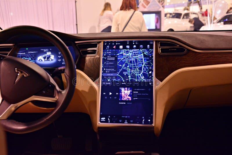Inre av bilen 90D för Tesla modell X royaltyfri foto