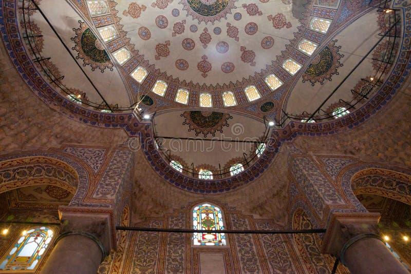 Inre av den blåa moskén, Sultanahmet Camii istanbul kalkon royaltyfria bilder
