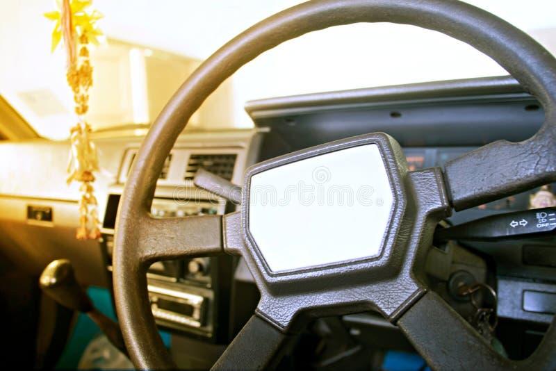 Inre av den gamla bilen royaltyfria bilder
