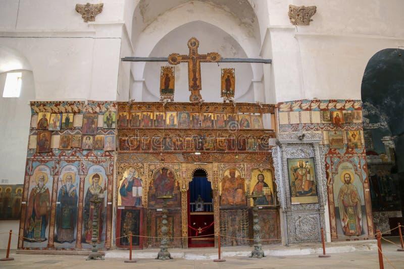 Inre av den helgonBarnabas kyrkan och symbolsmuseet i Cypern royaltyfri foto