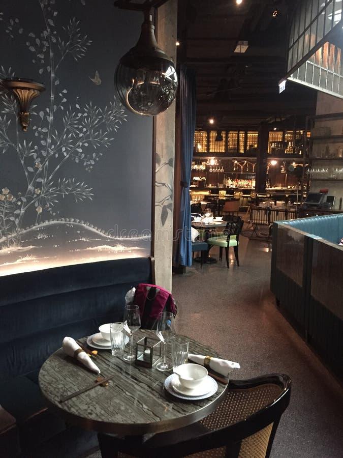 Inre av den Mott 32 restaurangen, Hong Kong royaltyfria bilder