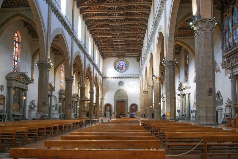 Inre av den Santa Croce basilikan, Florence, Italien arkivfoto
