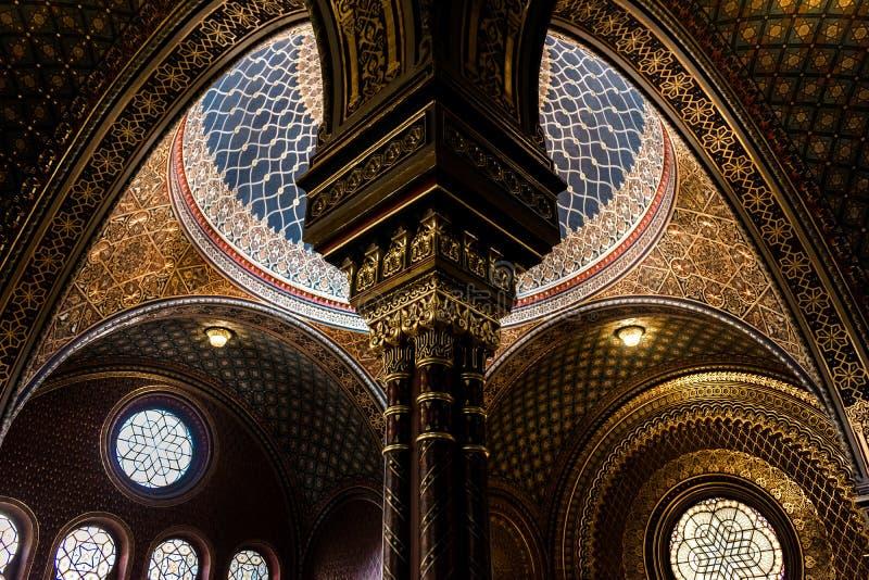 Inre av den spanska synagogan, Prague - Tjeckien royaltyfri foto