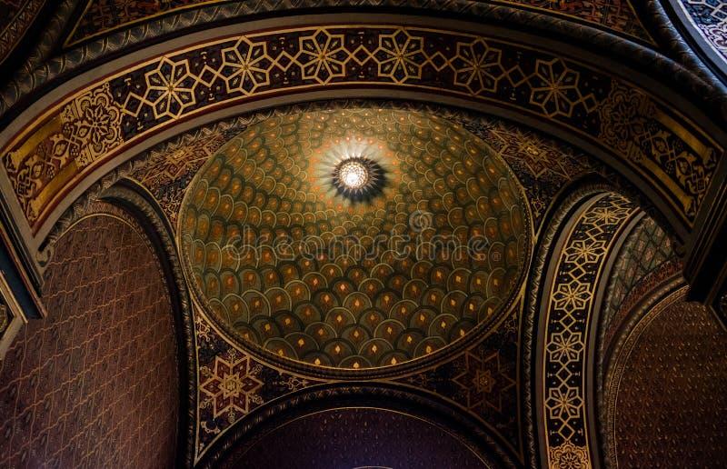 Inre av den spanska synagogan, Prague - Tjeckien royaltyfri fotografi