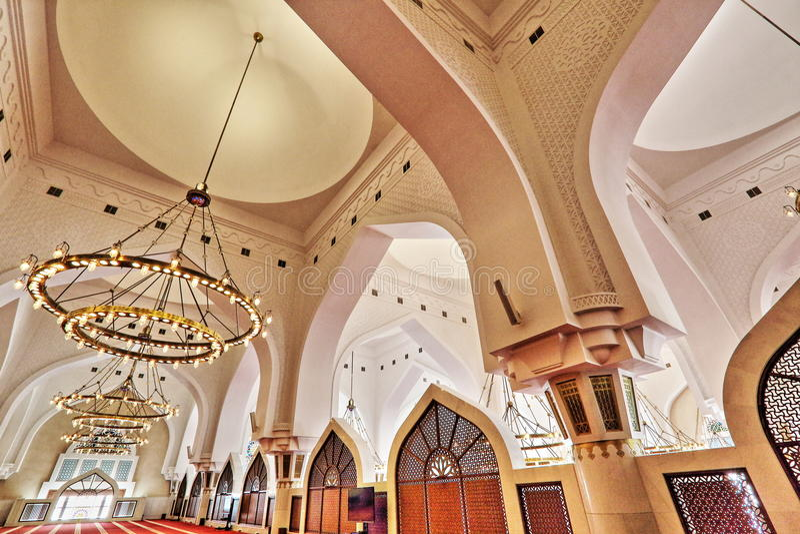 inre av den statliga moskén i Qatar fotografering för bildbyråer