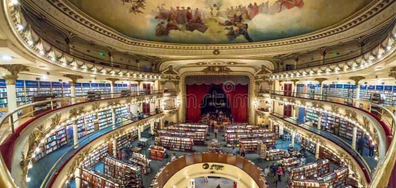 Inre av den storslagna storartade bokhandeln för El Ateneo - Buenos Aires, Argentina royaltyfri fotografi