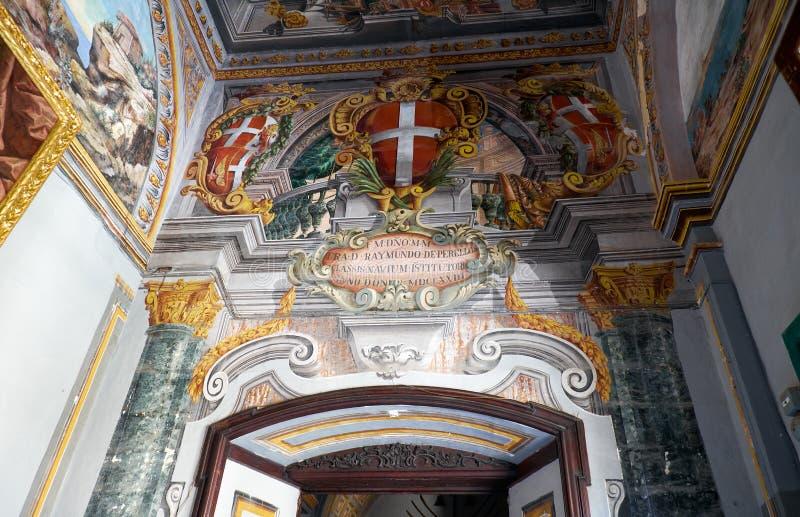 Inre av det huvudsakliga golvet av slotten för Grandmaster` s valletta arkivbilder