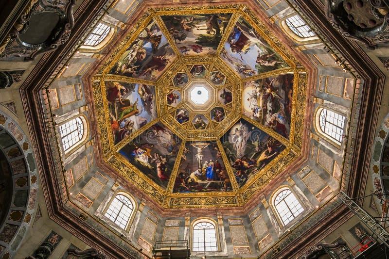 Inre av det Medici kapellet, Florence, Italien arkivfoto