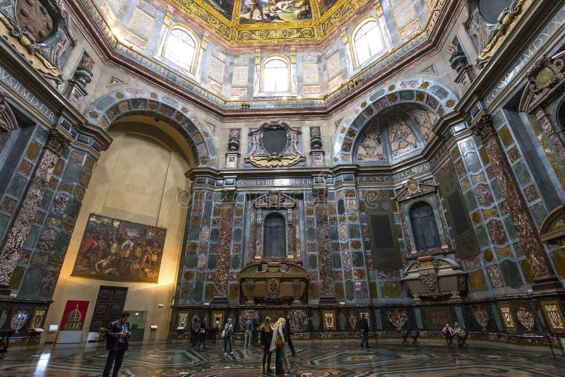 Inre av det Medici kapellet, Florence, Italien royaltyfria foton