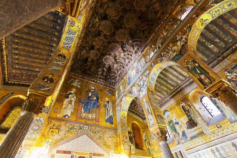 Inre av det Palatine kapellet royaltyfria foton