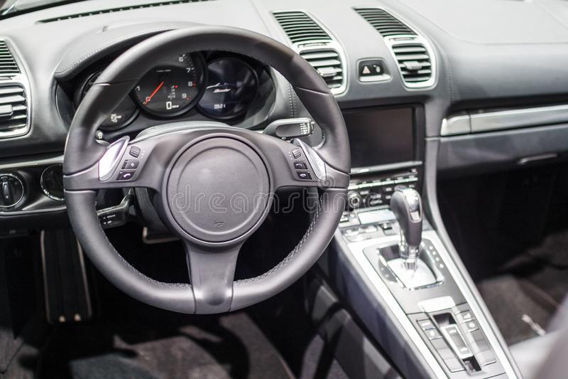 Inre av en modern sportbil royaltyfria bilder