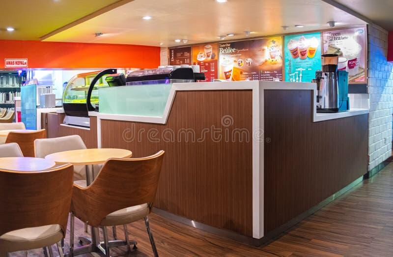 Inre av Kentucky Fried Chicken Krushers eller bekant som KFC kaffe royaltyfri fotografi