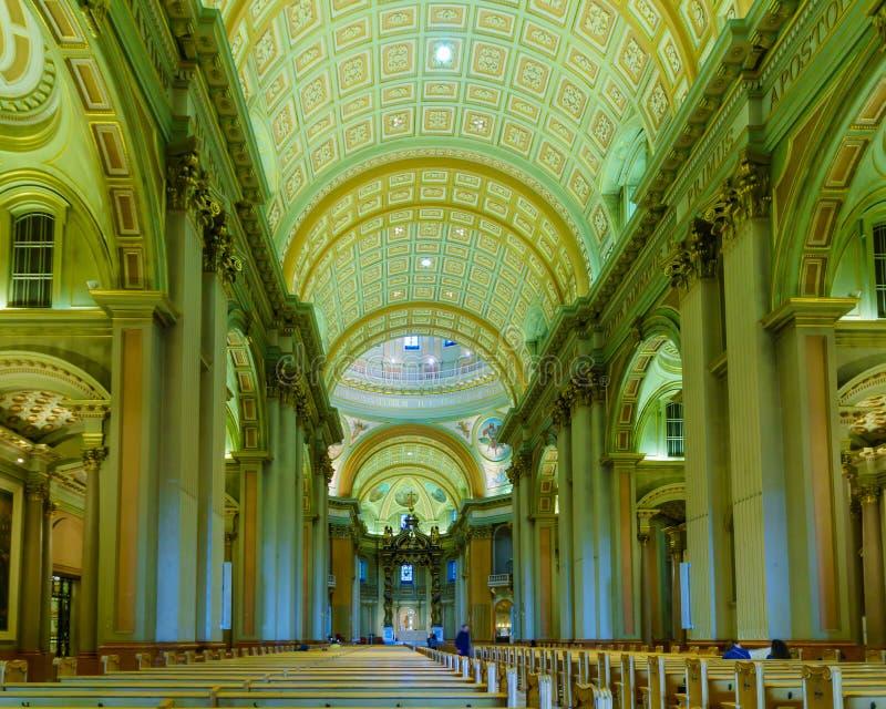 Inre av Mary, drottning av världsdomkyrkan, i Montreal royaltyfria bilder