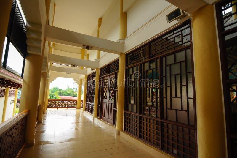Inre av Masjid Jubli Perak Sultan Ismail Petra a K A Masjid Peking royaltyfria bilder